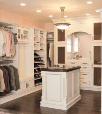 Press-Kits_Wellborn-Cabinets-closet-island_s4x3.jpg.rend_.hgtvcom.1280.960